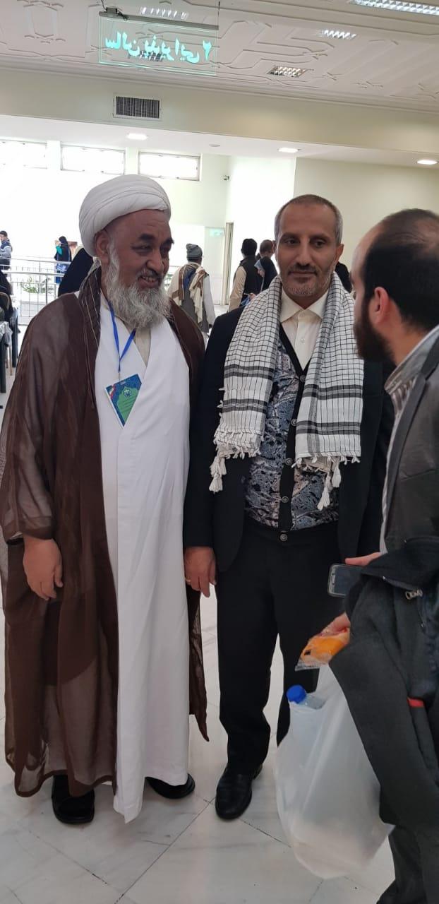 عالمی بیدارئ امت کانفرنس ۲۰۱۸ء کے موقع پر علامہ شیخ سکندر حسین سلسلۂ قادریہ کردستان عراق کے نمائندہ بزنجی کے ساتھ گفتگو کرتے ہوئے